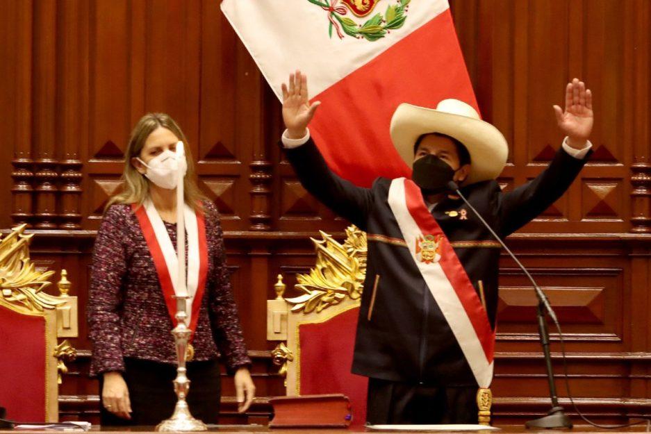 Pedro Castillo asumió la Presidencia de Perú